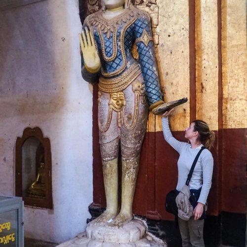 Interno di un tempio a Bagan, Myanmar
