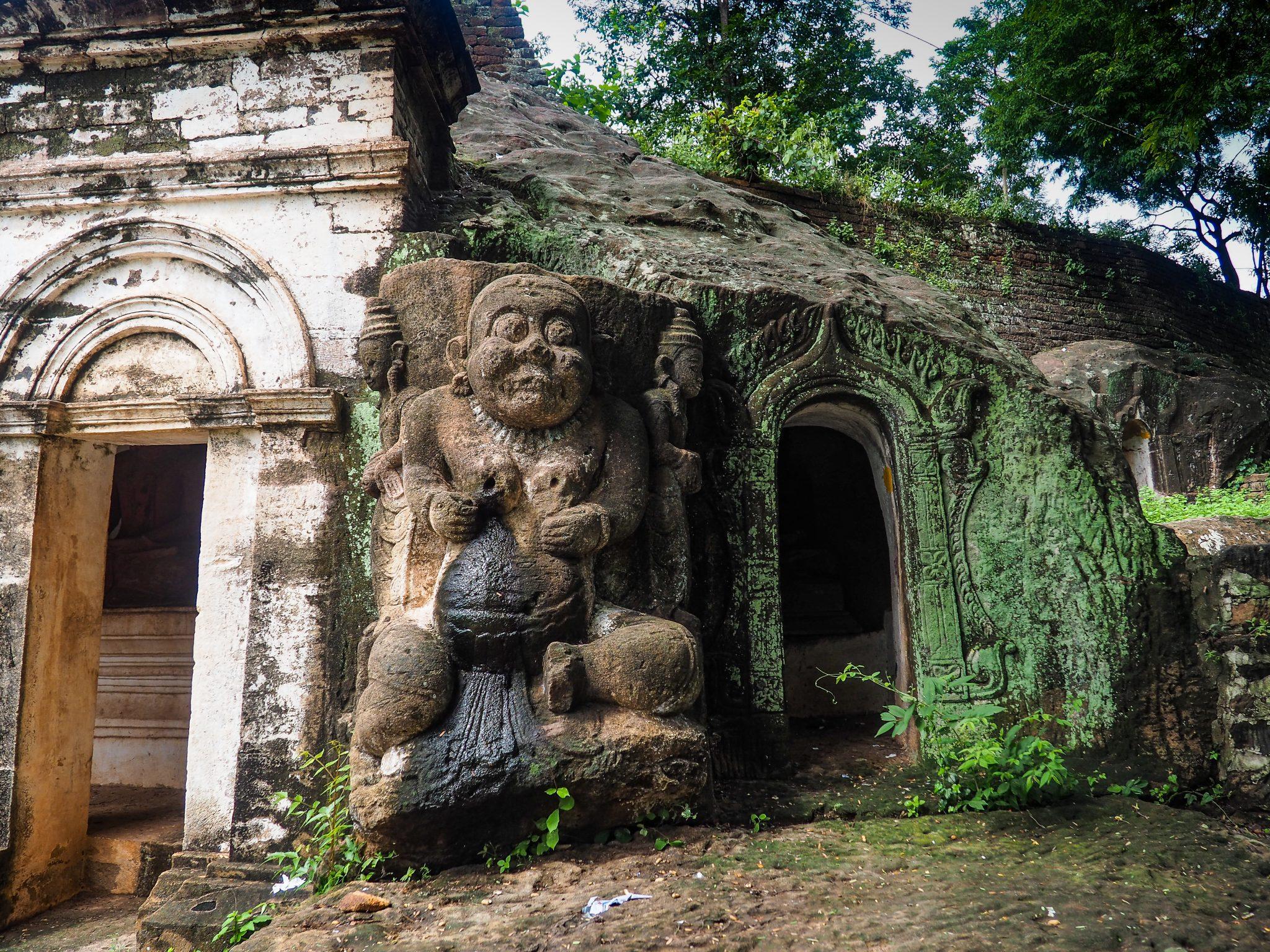 Hpo Win Daung, Templi rupestri, Monywa, Myanmar
