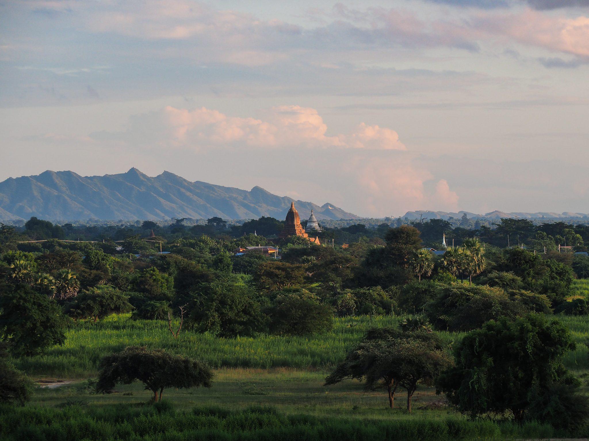 Tramonto a Bagan, Myanmar