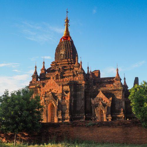 Tempio nella pianura di Bagan, Myanmar