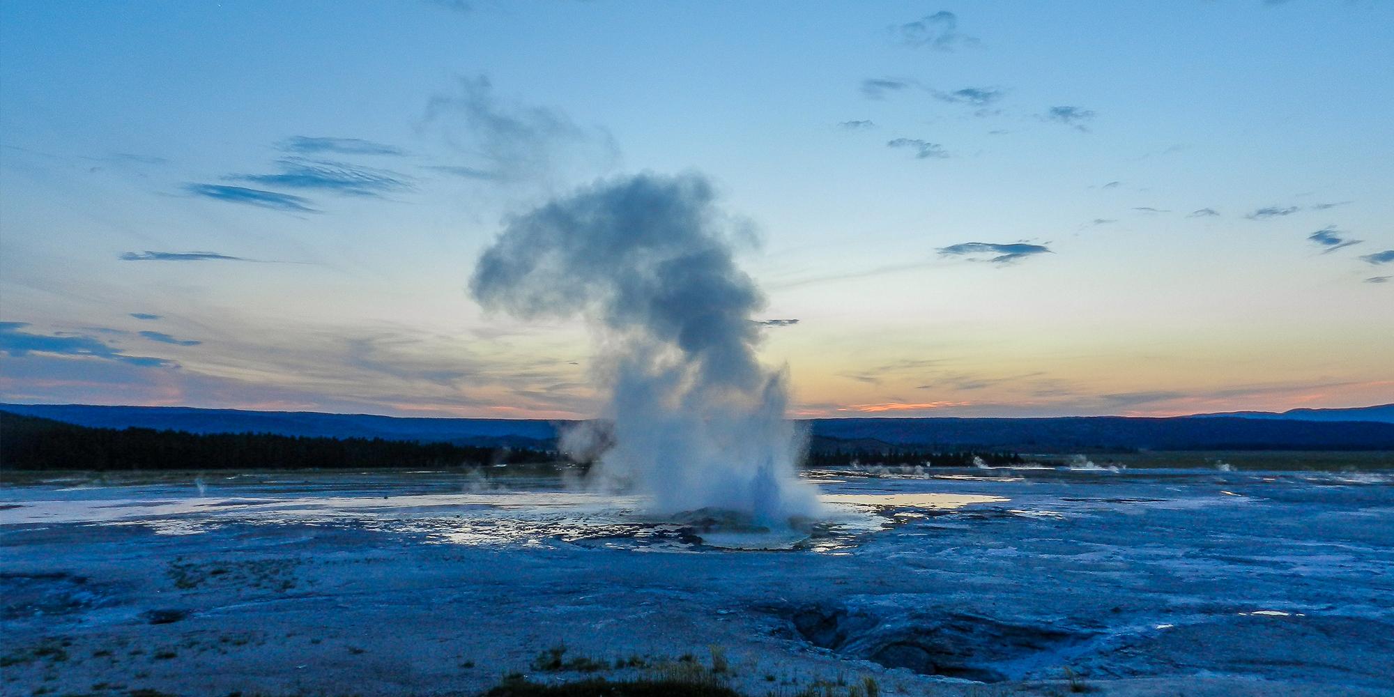 Geyser - Yellowstone NP